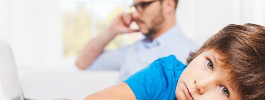 Ojcowie - wycofani i bezradni