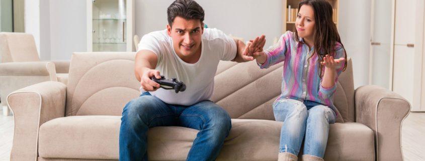 Uzależnienie od komputera i gier komputerowych – czy dostrzegasz u siebie jego objawy?