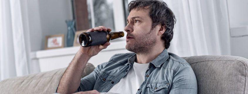 Alkohol zmienia mi męża na gorsze. Co robić w takiej sytuacji?