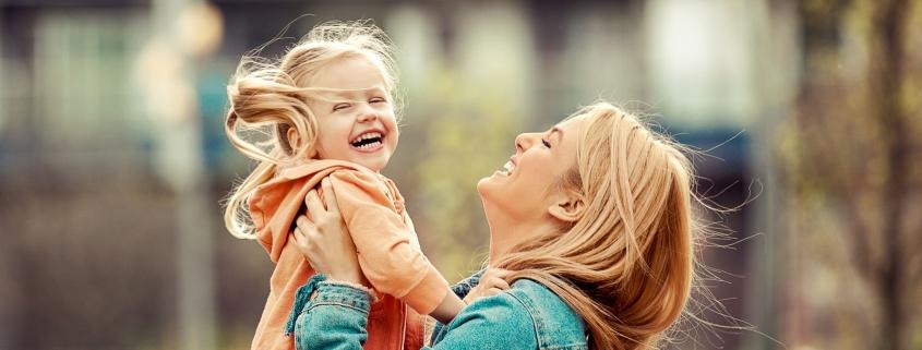 Mama i córka - więź wyjątkowa, ale też trudna.