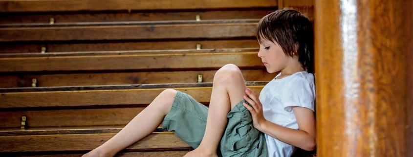 Zazdrość dziecka o mamę - jak reagować?