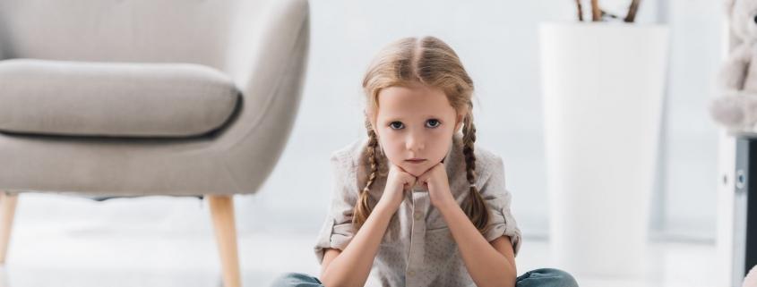 Atak histerii u 4-latka. Czy to normalne zachowanie w tym wieku?