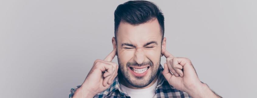 Mizofonia, czyli nadwrażliwość na niektóre dźwięki. Jakie są objawy i jakie podjąć leczenie?