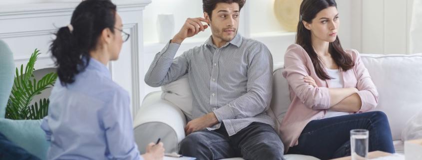 Terapeutka żony jest niechętnie do mnie nastawiona. Czy terapia par jest wskazana?