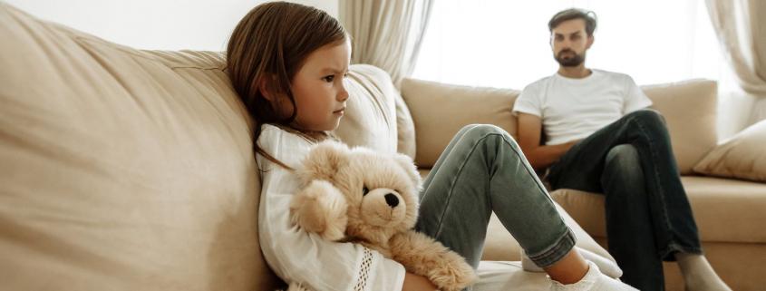 Jacy są toksyczni rodzice?