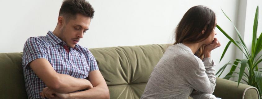 Odczuwam blokadę w związku i na kilka dniu ucinam kontakt z dziewczyną. Dlaczego tak postępuję?