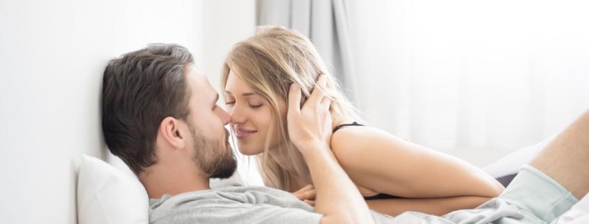 Porozmawiajmy o seksie. Skąd się bierze wstyd w łóżku?